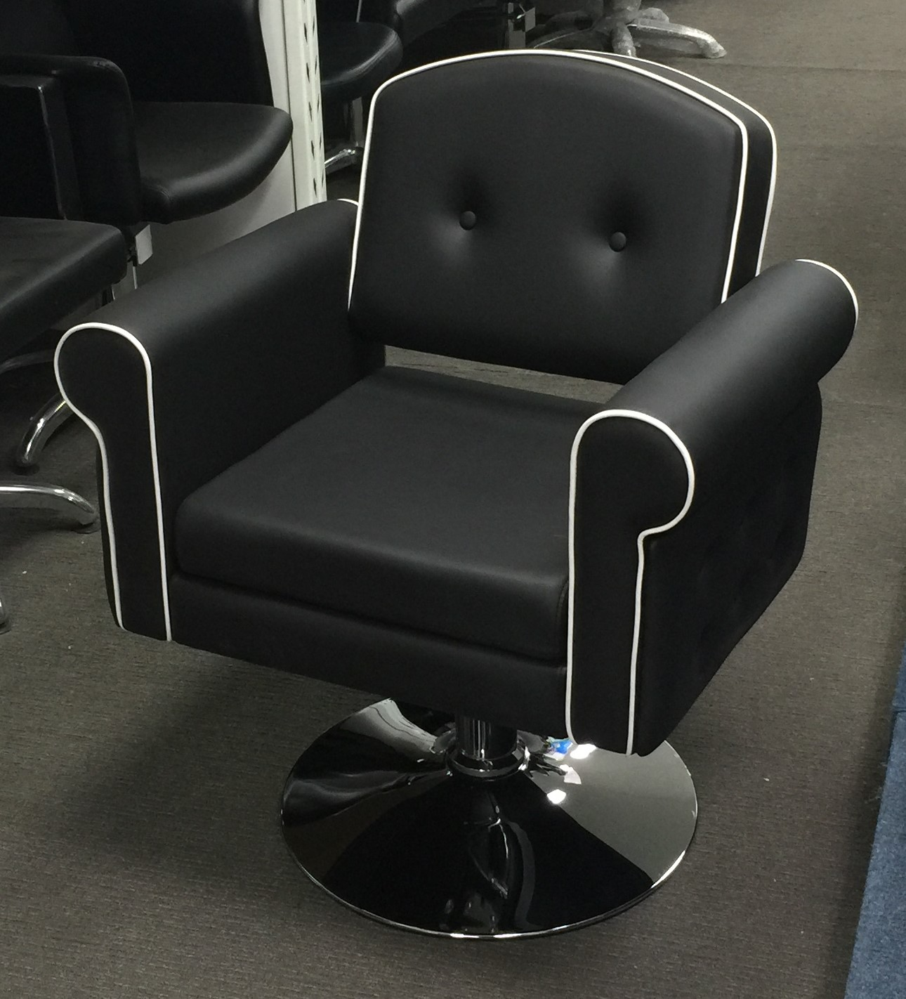 Amy hydraulic salon chair for Lift furniture to second floor